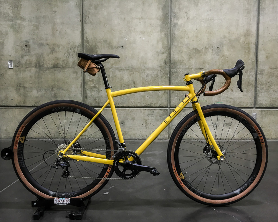 Hunter Cycles, featuring WTB Horizon 27.5x47c tires.